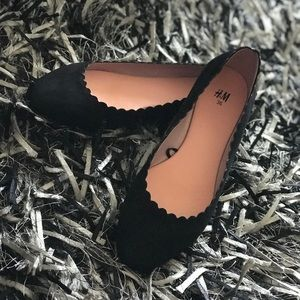 Cute black flats from H&M